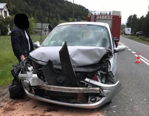 Wypadek na drodze krajowej 75. W Roztoce zderzyły się samochody