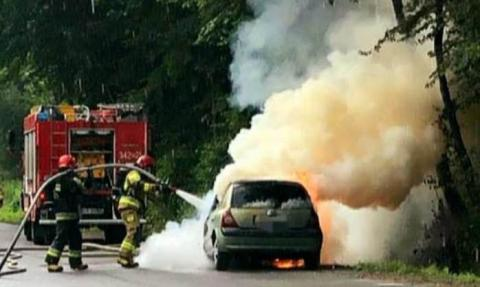 Musieli uciekać z płonącego samochodu. Na długo zapamiętają ten dzień