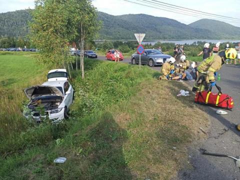 Groźny wypadek w Klimkówce. Aż cztery osoby trafiły do szpitala