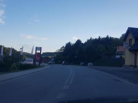 Nocna bójka w gminie Korzenna. W ruch poszły maczety