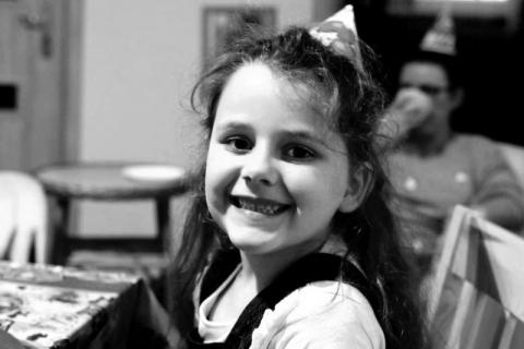 Rodzina i przyjaciele pożegnają 8-letnią Gabrysię. Znamy datę pogrzebu