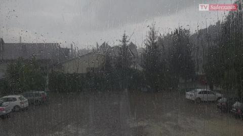 Ulewa nad Nowym Sączem przeszła jak burza [WIDEO]