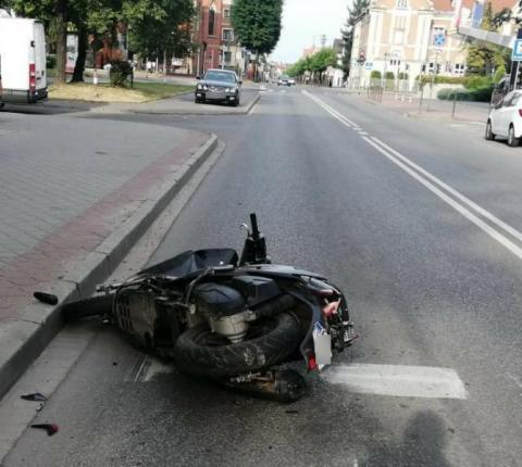 Poranny wypadek na ul. Limanowskiego. Motocyklista zderzył się z samochodem