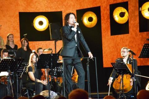 Krynica: Piotr Rubik z zespołem na inaugurację 52. Festiwalu im. Jana Kiepury