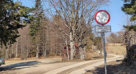 Ten znak jest nielegalny! Trwa dyskusja o ruchu na Obidzy w Piwnicznej-Zdroju