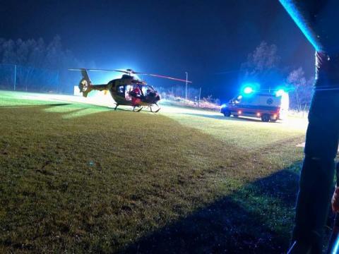 W zakładzie wybuchł piec. Śmigłowiec LPR zabrał rannego pracownika do szpitala