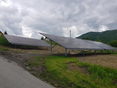 Rytro: parafia buduje farmę fotowoltaiczną na miejscu elektrowni wiatrowej