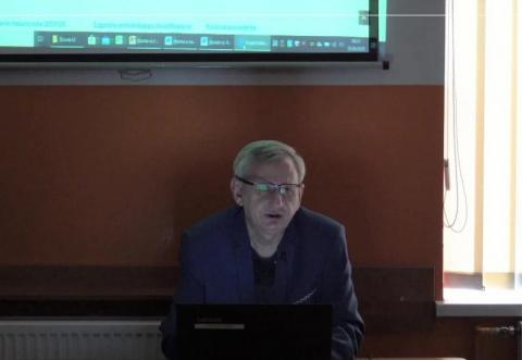 """Korki od prezydenta: sprawdź swoją wiedzę o """"Dziadach"""" Adama Mickiewicza"""