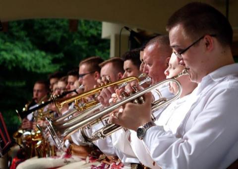 Jest u nas w orkiestrach dętych jakaś siła i dają na to pieniądze