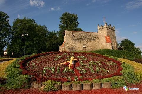 Zegar z kwiatów będzie przypominał o 725. rocznicy lokacji Nowego Sącza. Podoba wam się ?
