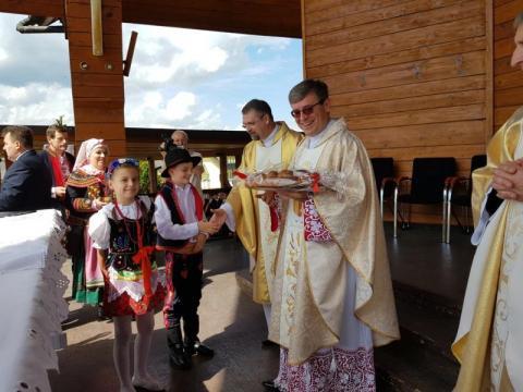 Tłumy na mszy świętej podczas Zjazdu Sądeczan, fot. Iga Michalec