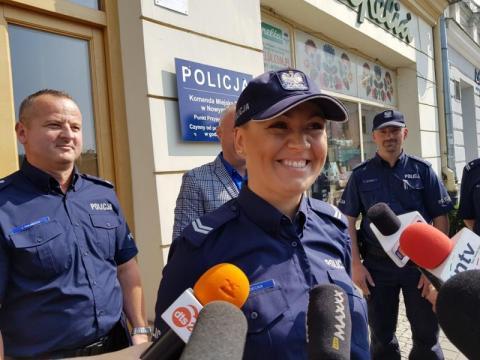 Otwarcie sklepu z policją, fot. Iga Michalec