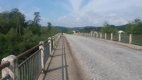 Most, nad którym czyha nieszczęście. Obiecali zrobić remont, nie zrobili