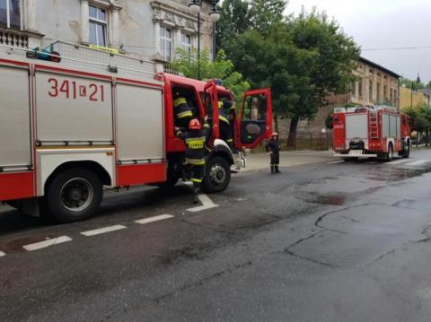 Karetki i wozy strażackie na sygnale. Co się stało na ul. Jagiellońskiej?