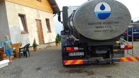 Chełmiec: woda do Biczyc Górnych dostarczona, a radni chowają głowę w piasek