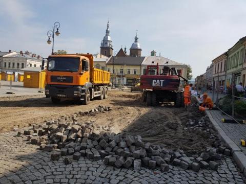 demolka kolejnej ulicy na sądeckim rynku, fot. Iga Michalec
