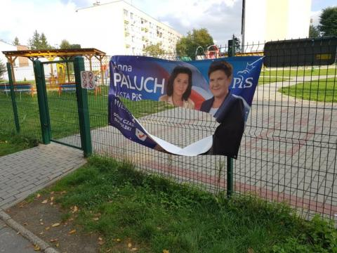 Nowy Sącz: nie chcą wyborczych plakatów na placu zabaw na Millenium?