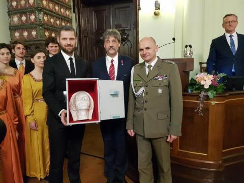 Przekazanie maski pośmiertnej Józefa Piłsudskiego, fot. Iga Michalec