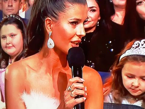 Co piękna Kasia Krzeszowska robiła na gali Miss Polski 2019?