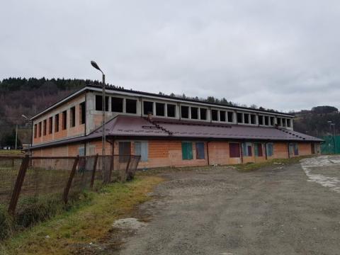 Jest plan awaryjny dla niedokończonej hali sportowej w Kamionce Wielkiej