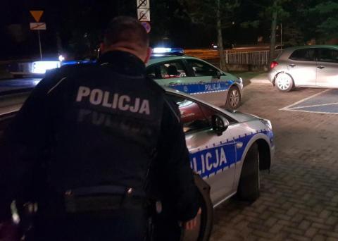 Czterech policjantów poszkodowanych podczas zatrzymania poszukiwanego 26-latka