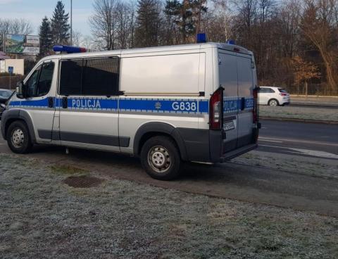 Wypadek na pasach w Gorlicach na ul. Bieckiej. Samochód potrącił kobietę