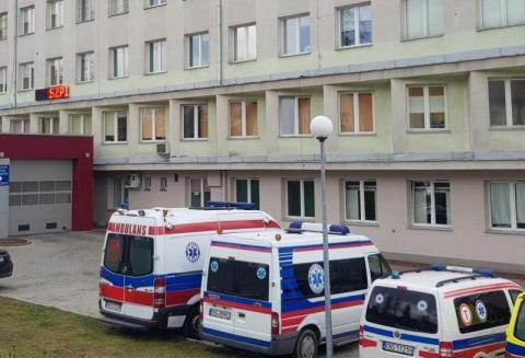 Chełmiec: szaleje koronawirus, ale mur oporowy ważniejszy od szpitala