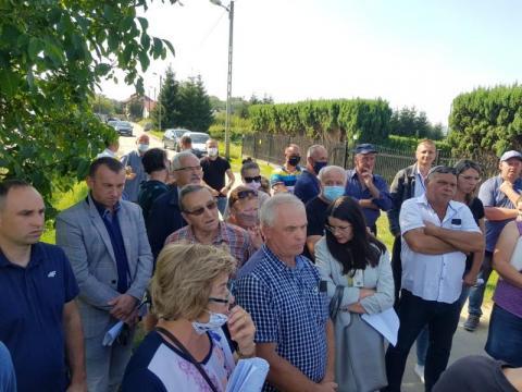 Burzliwe spotkanie na ul. Zakładników. Mieszkańcy nie chcą sortowni odpadów