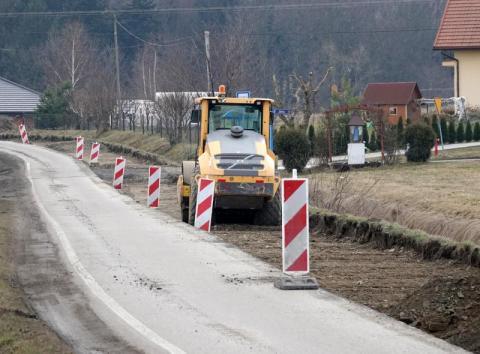 Kierowcy muszą tam pocierpieć, potem dostaną pięć kilometrów nowej drogi