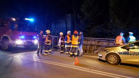 Kierowca ciężarówki zjechał do rowu żeby uniknąć zderzenia. Uratował im życie
