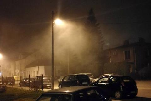 Nieruchoma, brudna mgła wisi nad Nowym Sączem. Co nam grozi