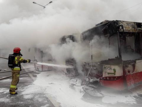 Spłonęły trzy autobusy MPK. Policja podaje przyczynę pożaru