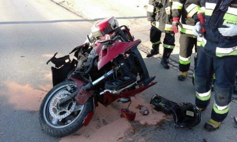 Chełmiec: Motocyklista w szpitalu! Kierowca samochodu wymusił pierwszeństwo i uderzył w motor