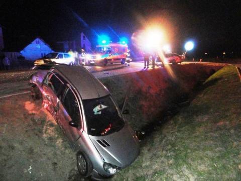 Nocny dramat w Nowej Wsi. Zderzyły się aż trzy samochody