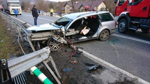 Najpierw wypadek w Paszynie, potem w Łącku. Jeden z kierowców był zakleszczony
