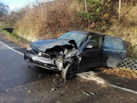 Wypadek w Gostwicy. Dwa samochody rozbite, w jednym z nich jechało dziecko