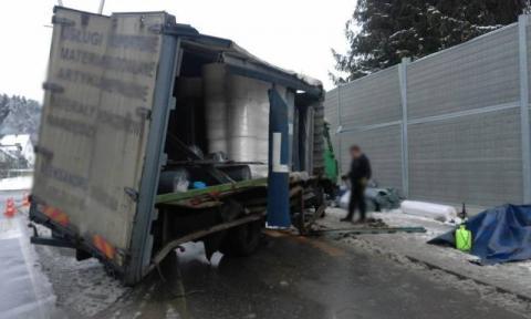 Ciężarówki zderzyły sie na rondzie
