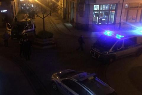 Nocna bójka na ul. Jagiellońskiej. Młody mężczyzna został ranny [ZDJĘCIA]