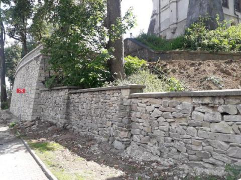 Tak ma wyglądać pałac w Nawojowej. Zaczął się remont [ZDJĘCIA]