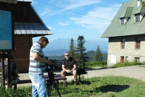 Stary Sącz: Artur Andrus kręci teledysk na Przehybie, statyści mile widziani