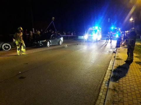 Wypadek w Ropie. Samochód BMW zderzył się ze skuterem