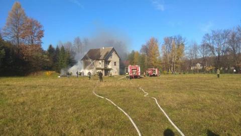 Pożar w Pogorzanach. Palił się dom [ZDJĘCIA]