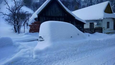 Śnieg odciął ich od świata! Jak się teraz żyje w górskich przysiółkach?