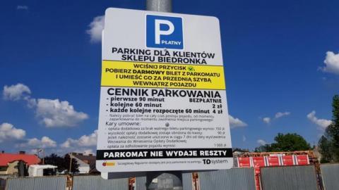 Nieznajomość prawa szkodzi a Biedronki nadal kroją za parkowanie