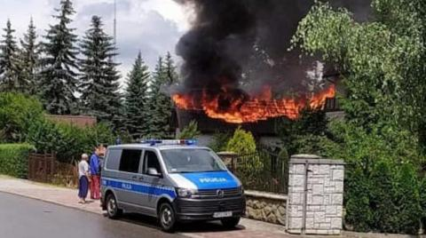 Tragedia w Limanowej. W płonącym budynku strażacy znaleźli zwłoki