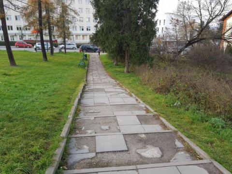 chodnik  przy ul. Młyńskiej, fot. Iga Michalec