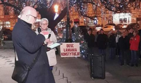 """""""Dziś sędziowie - jutro Ty!"""" Protest w obronie sądów w Nowym Sączu"""