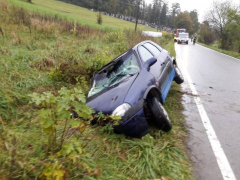 Auto leżało w rowie a kierowca zniknął. Co się stało w Żelaźnikowej Wielkiej?