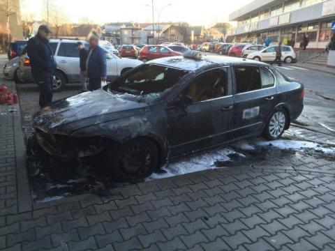 Płoną samochody na Sądecczyźnie. Co jest nie tak z tymi autami?