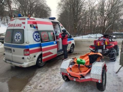 Dramatyczny wypadek w Łomnicy-Zdroju. Po 35-latka przyleciał śmigłowiec LPR